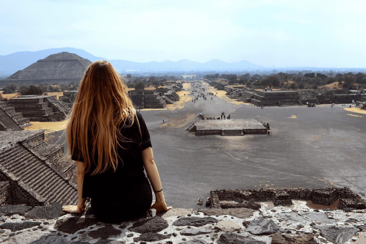 vista de zona arqueologoca de teotihuacan